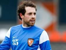 Maguire strijdt na gedoe om salaris nu voor lijfsbehoud Premier Division
