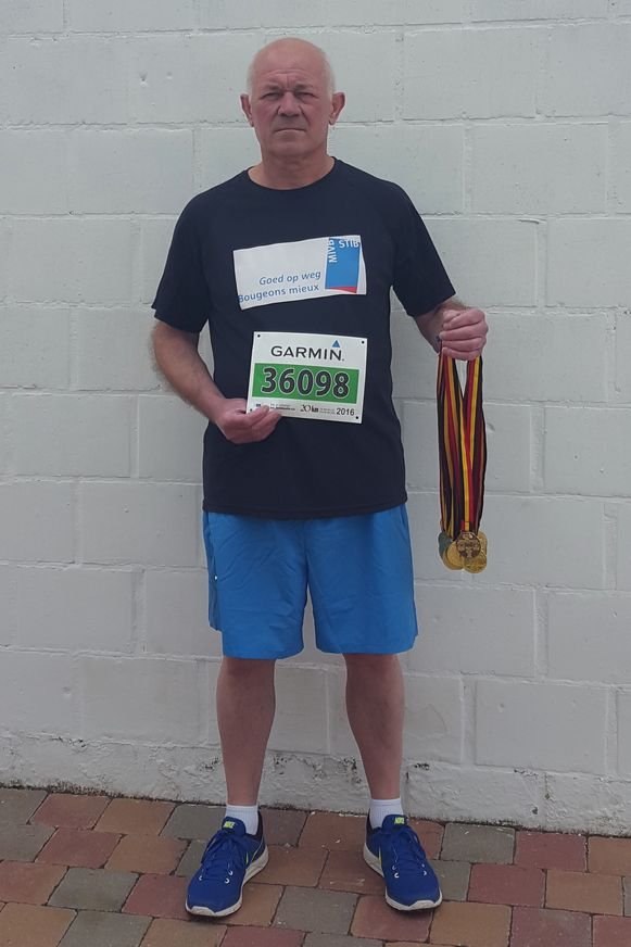 Eddy Ladang heeft intussen al heel wat medailles van de 20km door Brussel.