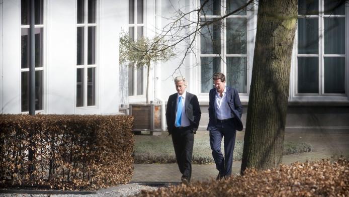 Premier Rutte onderhandelt in het Catshuis over een nieuwe begroting voor 2013.