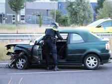 Bijrijder uit raam geslingerd bij eenzijdig ongeval op de rijksweg N57