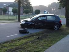 Frontale botsing in Helvoirt; bestuurder gewond