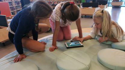 Leerlingen verkennen bib met interactief spel