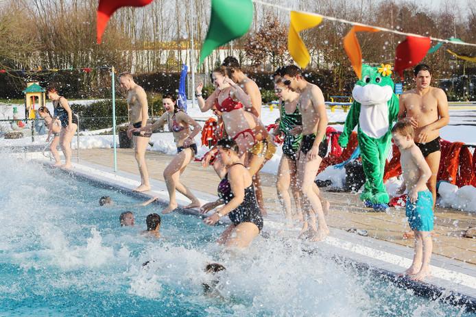 Zwembad De Stok : Zwembad de stok in roosendaal behoudt de jaarkaart na fel protest
