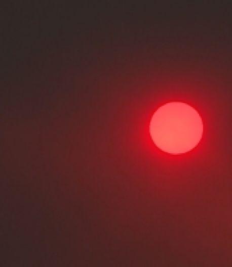 """""""Rouge sang"""": un feu de forêt provoque un étrange coucher de soleil à Las Vegas"""