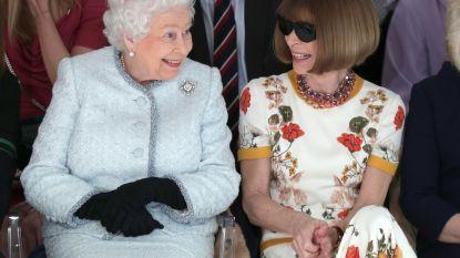 Verrassing van formaat: Queen Elizabeth zit op de eerste rij bij London Fashion Week