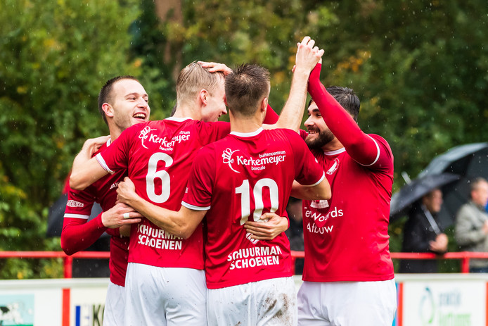Reünie won gisteren van VIOS Beltrum: 2-0. De ploeg pakte uit vier duels de maximale score van twaalf punten.