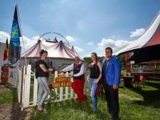Circus Bolalou zit door coronavirus nog maanden vast op een weiland in Laren