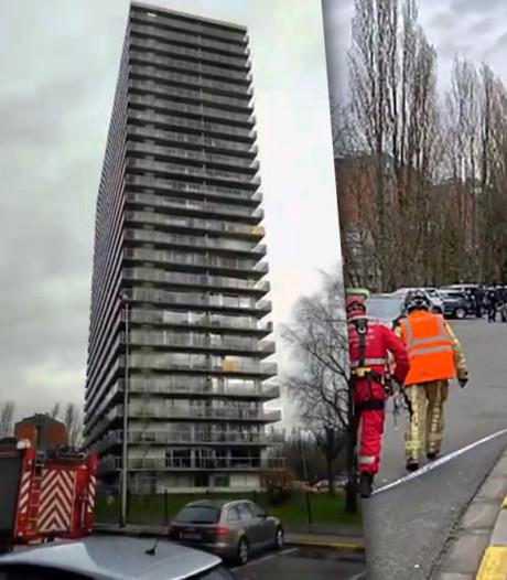 Des vitres menacent de tomber d'un immeuble de 26 étages à Gand