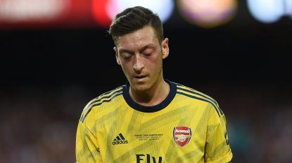"""Football Talk. Özil haalt uit naar Duitsland: """"Racisme in hele maatschappij verankerd"""" - Anderlecht spant nieuwe zaak aan tegen Suarez"""