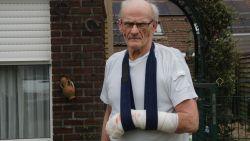 """Pitbull valt 74-jarige man aan: """"Hij beet in mijn gezicht en sleurde als een wild dier aan mijn arm"""""""