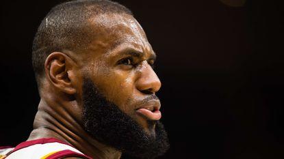 Golden State Warriors en Cleveland Cavaliers blijven nederlagen opstapelen