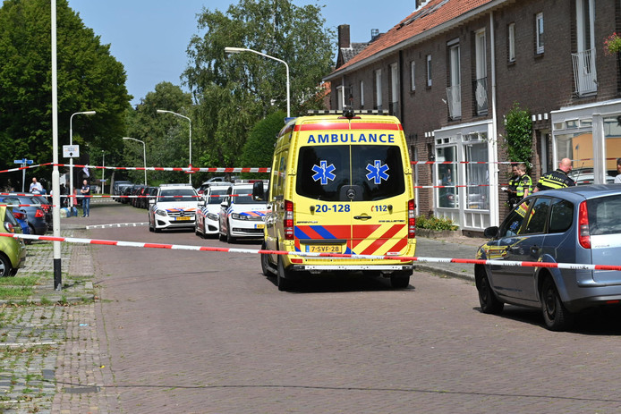 Megan werd neergestoken in haar ouderlijke woning aan de Bilderdijkstraat in Breda.