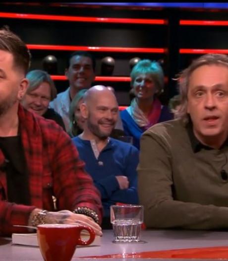 Hilarische boekpresentatie Theo Janssen bij DWDD: 'Geen idee wat er in staat'