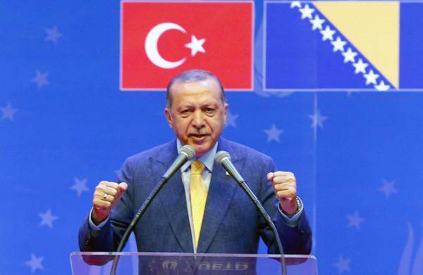 **Erdogan roept Turken in Europa op massaal op hem te stemmen volgende maand**