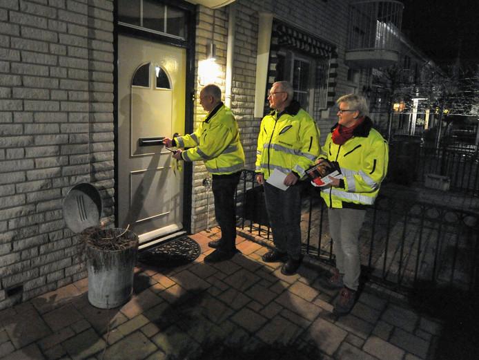 Het buurtpreventieteam op zijn ronde door Eindhoven-Noord.