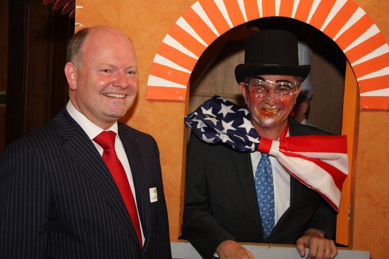 In 2011 mocht Koen Loete de Amerikaanse ambassadeur Gutman ontvangen. Hij kreeg de man zo ver om -naar oude Eeklose traditie- zijn hoofd te laten herbakken.
