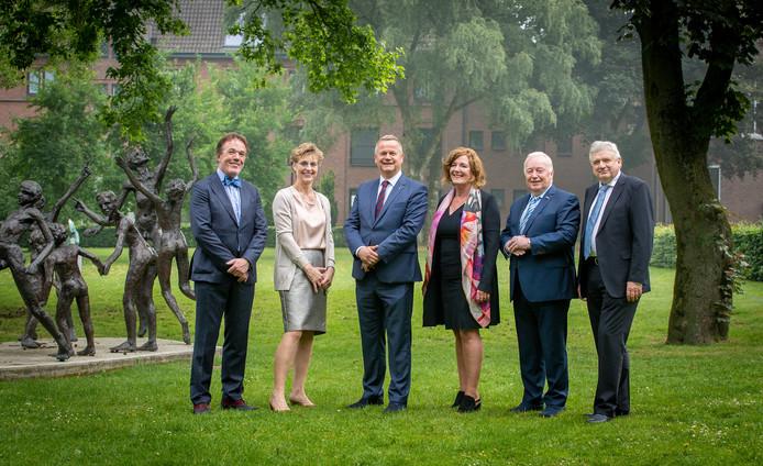 College van Burgemeester en Wethouders van de gemeente Goirle, vlnr: Bert Schellekens, Jolie Hasselman, Mark van Stappershoef, Marijo Immink, Johan Swaans en Piet Poos.