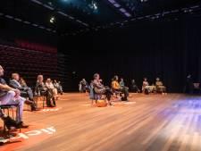 Het Nationale Theater laat zich niet uit het veld slaan en gaat 'door voor dertig'