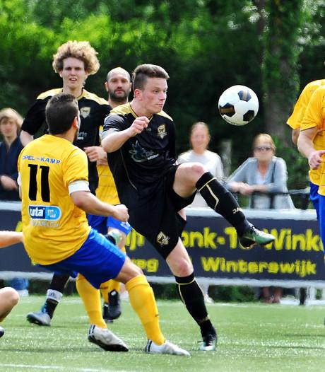 Kopballen loodsen FC Winterswijk naar finaleronde