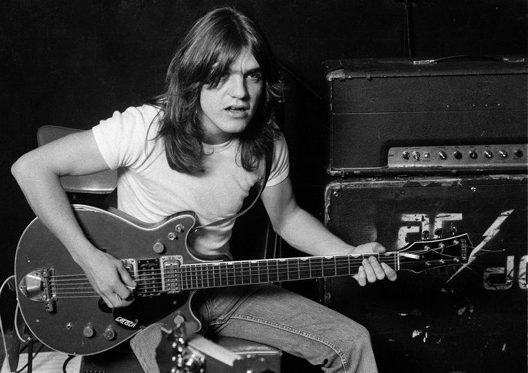 Malcolm Young, oprichter van AC/DC, is op 64-jarige leeftijd overleden.