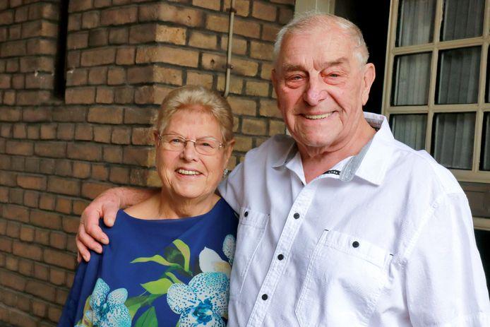 Bertus en Grietje Boxem, inmiddels zestig jaar getrouwd, vonden in elkaar de eeuwige liefde.
