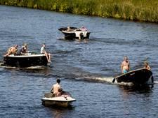 Zwolse stadsgracht krijgt aanlegringen voor bootjes