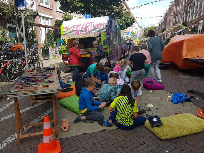 Repair Kid bij straatfeest. Ter illustratie.