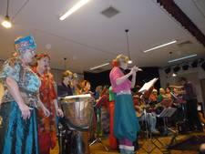 Veteranenharmonie Muziek houdt fit en koor Betje Wolff samen in nieuwjaarsconcert