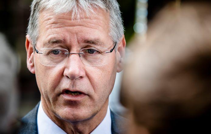 Ouders en scholen roepen minister van Onderwijs Arie Slob (CU) op om maatregelen te nemen.