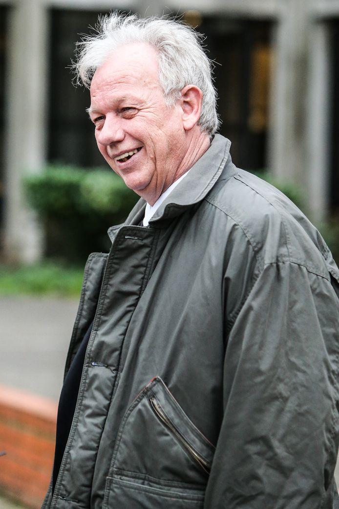 Dokter Jan Bolt kwam woensdag z'n getuigenis afleggen in het Brugse assisenhof. (archiefbeeld)