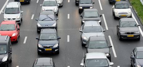 File op A28 na ongeval met meerdere auto's bij Zwolle