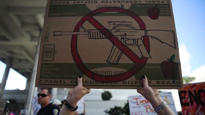 """""""Ik was bijna een school shooter"""": man schrijft emotionele getuigenis over geestelijke gezondheid en wapens"""