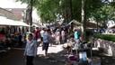 Hoewel er volop concurrentie op Walcheren was, trok ook de rommelmarkt in Aagtekerke lekker veel volk.