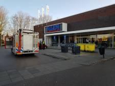Brand in meterkast Aldi in Aalten, winkel vol rook