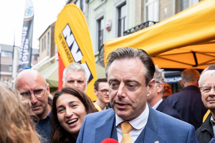 Bart De wever, Zuhal Demir en Jan Jambon kwamen vandaag mee campagne voeren om de N-VA in Bilzen te steunen.