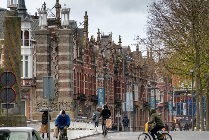 Wilhelminabrug en Stationsweg in Den Bosch, de omgeving waar dak- en thuislozen graag vertoeven.