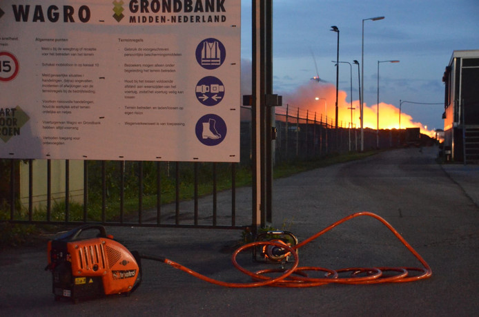 Grote brand bij Wagro Waddinxveen.