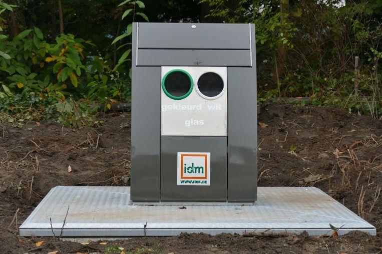 Een nieuwe ondergrondse glascontainer van IDM.