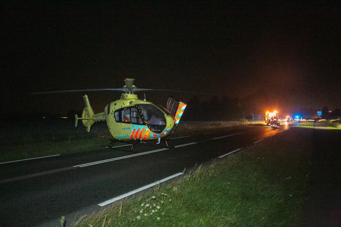 Een traumahelikopter landde bij het ongeval.