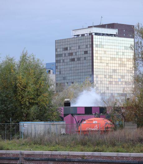 Brand bij voormalige WOW Zone in de Binckhorst