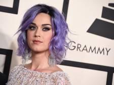 Katy Perry se bat avec des soeurs pour racheter un couvent