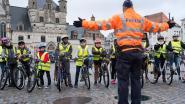 Scholieren oefenen voor fietsexamen