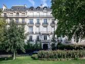 Huiszoekingen in Epstein-zaak: appartement en modellenbureau in Parijs doorzocht