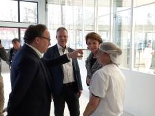 Minister Koolmees bezoekt Helmond en Nijnsel en 'deelt uit': 15 miljoen voor bedrijven die hun personeel willen bijscholen
