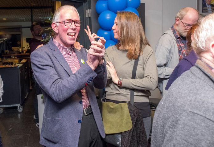 Rob Schuurman juicht tijdens de laatste gemeenteraadsverkiezingen: GroenLinks was een van de grote winnaars.