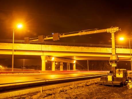Einde aan oranjegele lichtzee boven A28 Zwolle: Rijkswaterstaat vervangt álle lampen