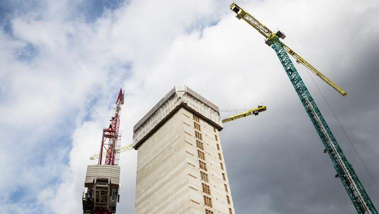 De betonnen kern van de EMA-toren aan de Zuidas bereikte deze week het hoogste punt: 80 meter. Beeld Tammy van Nerum