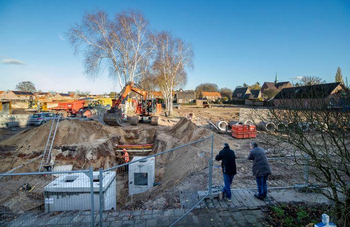 Na de renovatie van de 50 historische woningen in de Kolkakkerbuurt zijn nu de overige woningen gesloopt en gaat men beginnen met de nieuwbouw van 72 woningen.