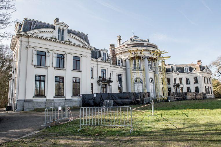 Een groter deel van het park aan kasteel Blauwhuis wordt toegankelijk voor wandelaars.