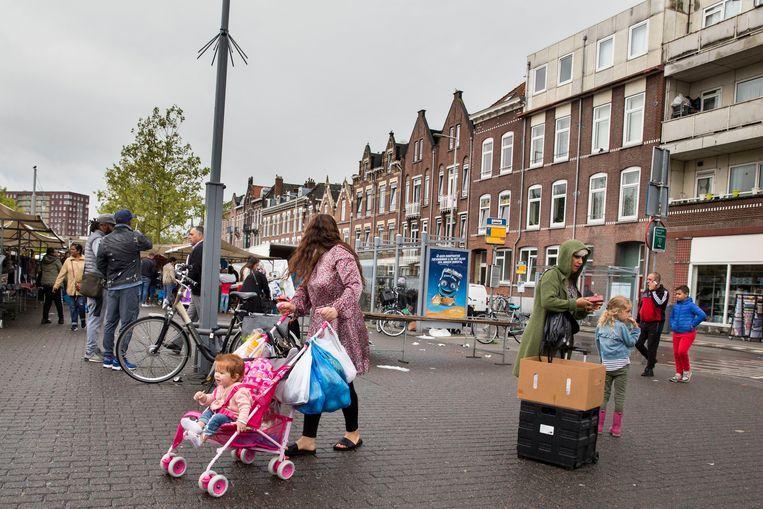 Het Afrikaanderplein in Rotterdam-Zuid. Beeld Arie Kievit